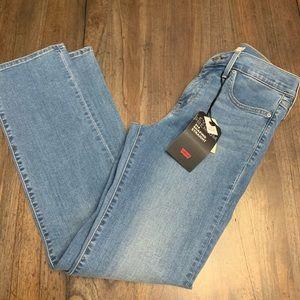 🆕Levi's | Women's 314 Slimming Jeans